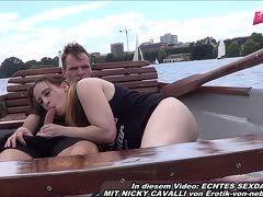 Auf einem Boot will die deutsche Nicky Cavalli gebumst werden