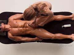 Aufregende Femdom-Schwanzmassage mit Folter